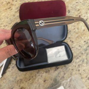 New Gucci sunglasses 🥰